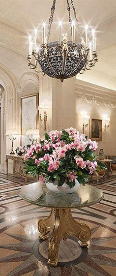 I am at the Shangri-La Hotel Paris and having a marvilous time Shangri La Paris, Shangri La Hotel, Luxury Life, Luxury Homes, Luxury Mansions, Halls, Paris Hotels, Grand Hotel, Home Living