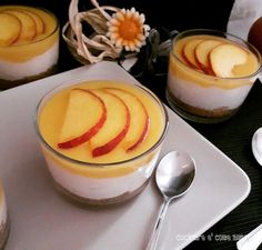 cheesecake al cucchiaio,una variante del classico cheesecake,semplicissimo da realizzare e di grande effetto.