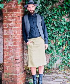 """A fashion that does not reach the streets is not fashion"" -Coco Chanel-  #whothefxxxismrkirt #mrkirtshop #manfashion #trend2018 #fashion #manswear #style #trend #ss18 #fw18 #inspiration #manstyle #maninskirt #sartorial #hommesnjupe #newtrend #uomoingonna #nogender #queer #kilt #faldahombre #manswear #mensclothing #streetwear #fashionblogger #picoftheday #f4f #like4like #followforfollow #l4l"
