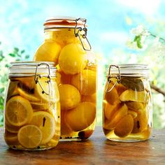 Here is a delicious recipe for Pickled lemons. Browse though a wide variety of recipes, tips and inspiring ideas. Lemon Recipes, Wine Recipes, Swedish Recipes, Recipes From Heaven, Chutney, Pickles, Meal Prep, Side Dishes, Food Porn