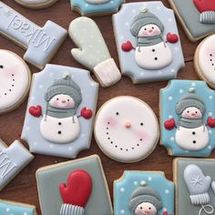 Snowman cookies by the Painted Pastry