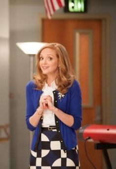 """2 Pencil Skirt in Graphic Print and Kate Spade Jeremy Cardigan Glee Season Episode """"Diva"""" love this outfit❤️ Emma Style, Her Style, Glee Season 4, Glee Fashion, Librarian Chic, Bcbg, Professional Wardrobe, Floral Sundress, Teacher Outfits"""