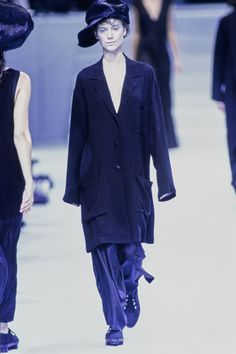 Issey Miyake Spring 1995 Ready-to-Wear Collection Photos - Vogue