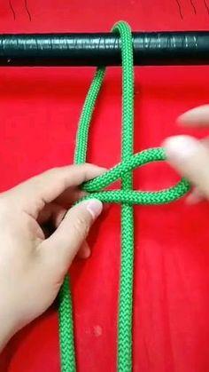 Paracord Knots, Rope Knots, Survival Knots, Survival Skills, Survival Gear, Rope Crafts, Diy Crafts Hacks, Simple Life Hacks, Useful Life Hacks