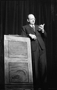 Werner Finck – Wikipedia