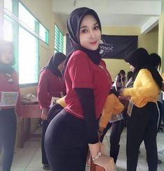 Nisa Sabrina Hijaber is elegant from Surabaya Hijab Teen, Arab Girls Hijab, Girl Hijab, Beautiful Hijab Girl, Beautiful Muslim Women, Muslim Fashion, Hijab Fashion, Super Funny Pictures, Hijab Chic