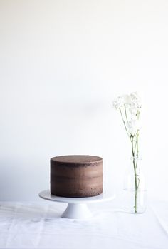 """The beauty of a naked cake"" 