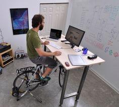 Todos que trabalham num escritório precisam de uma bike dessas! == everyone who works in an office needs a bike like this