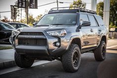 Thanks to the new platform, the 2018 Toyota will benefit from more space inside the cabin. This will not only mean more storage space but it Toyota 4x4, 2015 Toyota 4runner, Toyota Trucks, Toyota Cars, 4x4 Trucks, Toyota Tacoma, Ford Trucks, Toyota Vehicles, Toyota 4runner Interior
