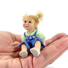 1:12 Dollhouse miniature baby doll, hand sculpted CDHM Artisan Ulrike Leibling of Ulrikes OOAK Babies, www.cdhm.org/user/kulrike