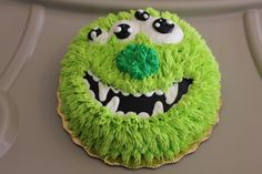 Monster Party: Monster Birthday Party Ideas and Desserts Monster Birthday Cakes, Monster 1st Birthdays, Monster Cupcakes, Monster Birthday Parties, Birthday Fun, Birthday Ideas, Birthday Photos, Bolo Original, Little Monster Birthday
