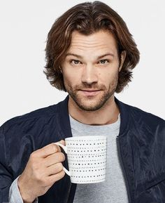 What's Jared padaleckis hairstyle called? Probably the Jared Padalecki hair. There's not any other hairstyle like it.