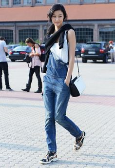 how to wear overalls - let one side hang down