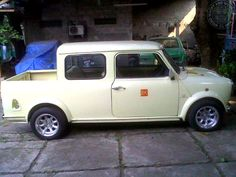 """When my Lotto numbers come in one of the 1st items on my Mini """"Will own"""" list is a CrewCab like this Saturday Stunning beauty! I proper LOVE them!"""