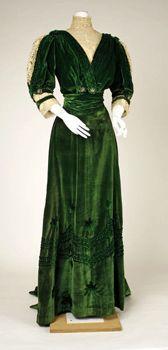 Fotografie Vestiti donna 1° Classe primi anni 900 - Novecento