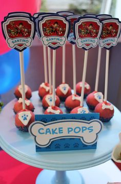 Genial idea para aperitivo de una fiesta de cumpleaños de la Patrulla Canina. Torta Paw Patrol, Paw Patrol Cupcakes, Paw Patrol Birthday Cake, Paw Patrol Party, Birthday Party Treats, 1st Boy Birthday, Cake Pops, Cumple Paw Patrol, Minnie Mouse Party