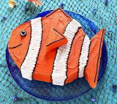 How to Make a Clown Fish Birthday Cake