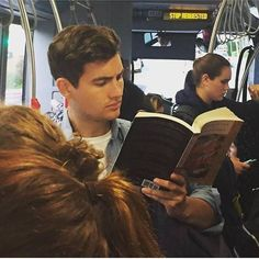 Instagram-Account-Shares-Hot-Dudes-Reading-Books Guys Read, French Man, Prince Eric, Nyc Subway, Man Images, Dream Boy, Books For Boys, Books To Read, Reading Books