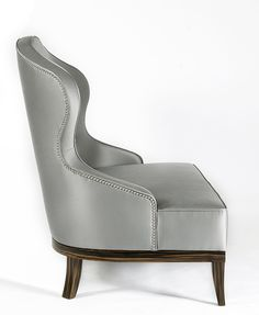 With a Designer armchair you can beautify your living area in a modern way. Designer armchair are en Affordable Furniture, Luxury Furniture, Furniture Design, Luxury Chairs, Lounge Design, Chair Design, Furniture Upholstery, Occasional Chairs, Modern Chairs