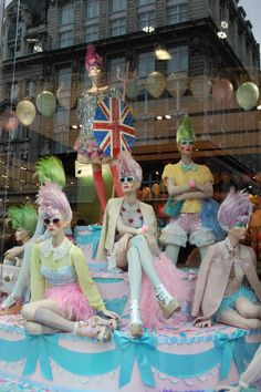 Window Display Honor the Queen - Topshop, London.  trakrecruiting.com - specialist retail & fashion recruiters