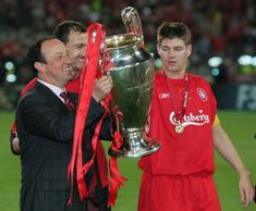 Steven Gerrard, Rafa Benitez and Jerzy Dudek celebrate with the European Cup