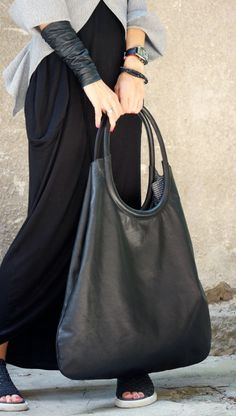 Visions of the Future // NEW Genuine Leather Black Extravagant Tote Bag / High от Aakasha