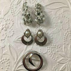 Vintage CORO Earrings Leaves, 1928 Jewelry Co. Clip-on, & Monet Modernist Circle #Monet Music City Nashville, Black Rhinestone, Round Earrings, Monet, My Ebay, Costume Jewelry, Retro Vintage, Vintage Jewelry, Brooch