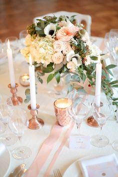 Décoration mariage rose gold. Vous aimez la tendance du rose gold ? Découvrez notre shooting d'inspiration de mars dernier et inspirez-vous !