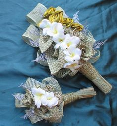 A wide range of flax bridal bouquets from posey style flax bouquets to arm held front facing flax wedding bouquets