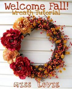 25 Charming DIY Fall Wreaths - welcome fall wreath