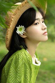 Crochet Hats, Space, Color, Fashion, Display, Colour, Moda, La Mode, Fasion