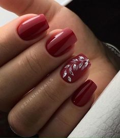 Best gel and acrylic nails designs for fall, nice and cute autumn themed manicure for short and long nails, easy ideas with pointed, falling leaves and rhinestones, fall nails colors trends 2018 Classy Nails, Cute Nails, Pretty Nails, Holiday Nails, Christmas Nails, Nail Manicure, Manicures, Fall Nail Art Designs, Red Nail Designs