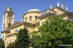 Egri Bazilika Hungary, Budapest, Taj Mahal, Mansions, House Styles, Building, Travel, Home, Viajes