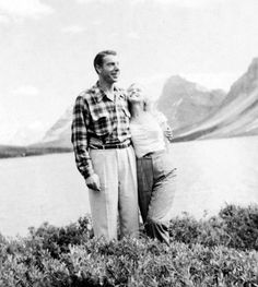 August, 1953: Marilyn Monroe & Joe DiMaggio in Banff, Alberta, Canada.