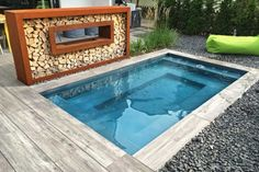 Kleines Schwimmbecken als Fertigbecken für den Garten