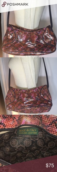 "45c5c66d23b Italian Leather Snakeskin Purse Measures approx 13"" L x 4"" W x 6"""