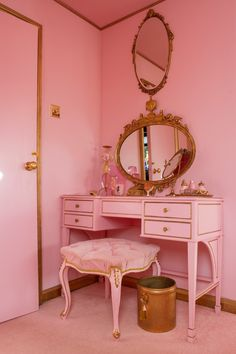 Girl Bedroom Designs, Room Ideas Bedroom, Bedroom Decor, Shabby Bedroom, Pretty Bedroom, Shabby Cottage, Shabby Chic, My New Room, My Room