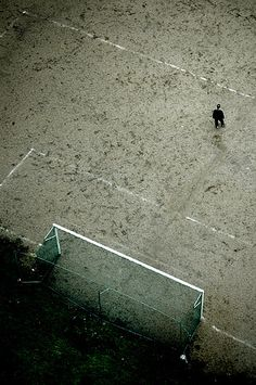 the loneliness of the goalkeeper