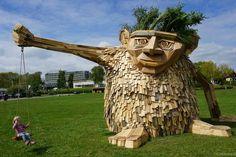 Waste No More : d'immenses sculptures à partir de matériaux récupérés