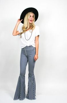 These bell bottoms😍 Modest Summer Fashion, Summer Fashion For Teens, Summer Fashion Outfits, Cute Outfits For Kids, Mom Outfits, Outfits For Teens, Bell Bottom Pants, Bell Bottoms, Bikini Shirt