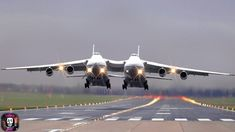 Biggest Passenger Airplane & Gaint Cargo Aircraft in the World 2020 Everything in this video doesn't happen in real life, because this situation is just a ch. Tiger Airlines, All Airlines, Cargo Aircraft, Military Aircraft, Commercial Plane, World 2020, Aircraft Design, Fighter Jets, Real Life