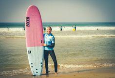 #surfergirl #amazingbeach #summer #sun #surfboard #fuerteventura #france #spain #beachbreak #softboard #surflesson #ocean #planetsurfcamps #planetsurf #smile #happygirl #surfing