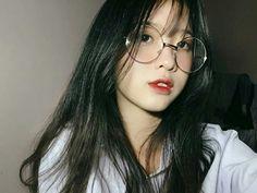 Lấy = follow #dưn Korean Girl Photo, Cute Korean Girl, Pretty Asian Girl, Beautiful Asian Girls, I Love Girls, Cute Girls, Korean Best Friends, Uzzlang Girl, Ulzzang Korean Girl