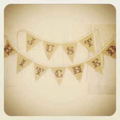 Just Hitched Burlap Banner #rusticchic #countrychic #countrywedding #shoomieoccasions