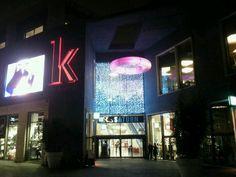 K in Kortrijk en Kortrijk, West-Vlaanderen Neon Signs
