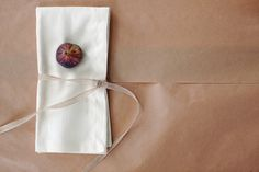 Fall market-inspired napkin adornment ideas || Valley & Co. Lifestyle