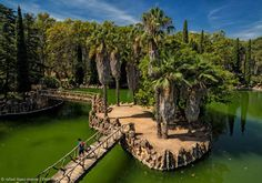 Parc Samà is the summer residence and garden that in 1881 built Salvador Samà, Marquis of Marianao, between Cambrils and Montbrió. Museum Guide, Destinations, World Heritage Sites, Tours, Travel, Outdoor, Salvador, Trekking, Affiliate Marketing