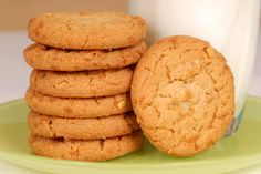 """Rich, soft Peanut Butter Drop Cookies are a year round delight with """"JIFFY"""" Baking Mix. Flourless Peanut Butter Cookies, Peanut Butter Cookie Recipe, Cookie Recipes, Bread Recipes, Sugar Free Biscuits, Vegan Biscuits, Jiffy Mix Recipes, Melting Moments Cookies, Best Cookies Ever"""