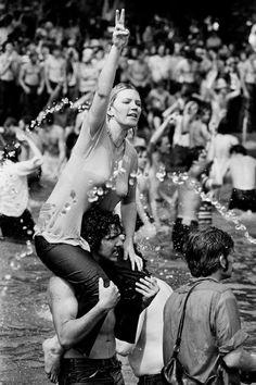 Students protest at the reflecting pool, Washington DC, 1970