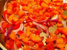 - Silje Bjørnstad - – Gratinert karbonadedeig-og-potetmos-form Nordic Recipe, Maya, Carrots, Vegetables, Recipes, Sun, Carrot, Veggies, Vegetable Recipes